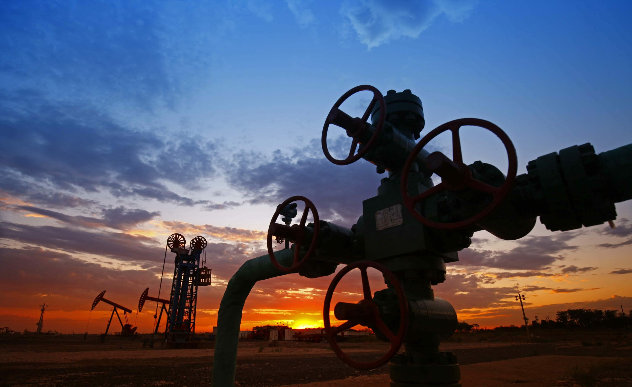 Oil pipes and valves